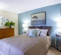 Spacious Master Bedroom   Luxury Apartments In Denver Colorado   Summitt Ridge