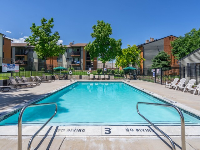 Image of Swimming Pool for Mountain View Apartments