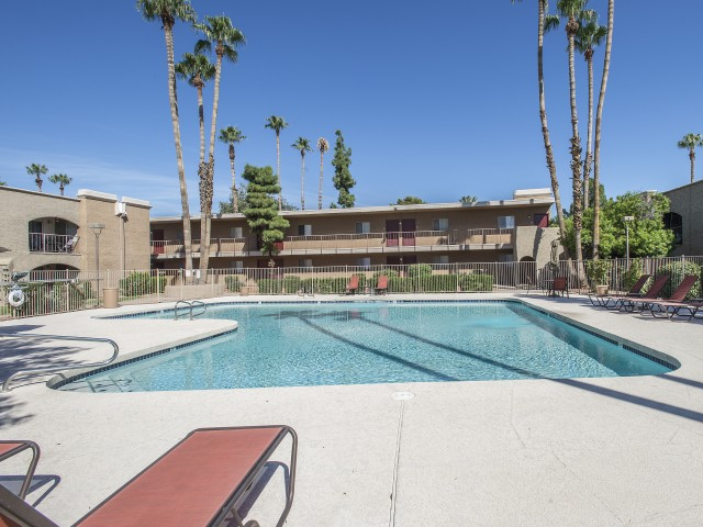 Image of Swimming Pool for Visconti at Camelback Apartments