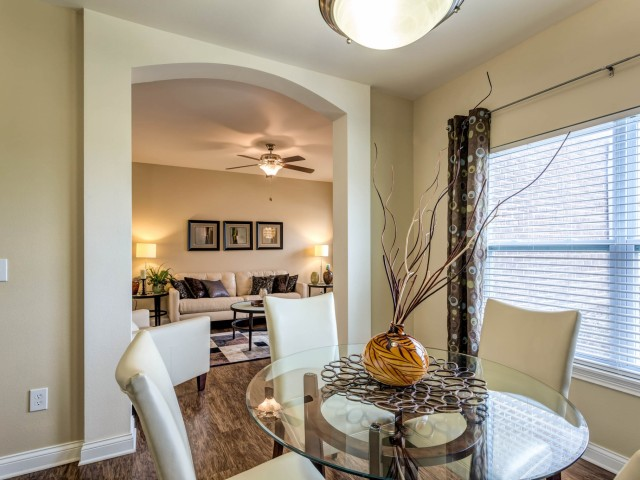 Image of Formal Dining Rooms with Custom Built Archways for Autumn Breeze Apartments