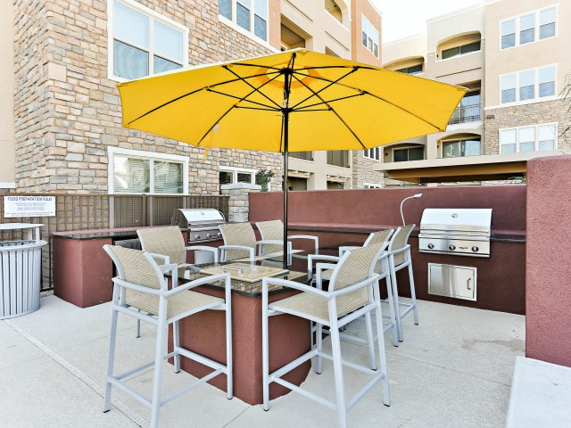 Image of Grilling areas with premium outdoor cooking equipment for Luxe Scottsdale Apartments