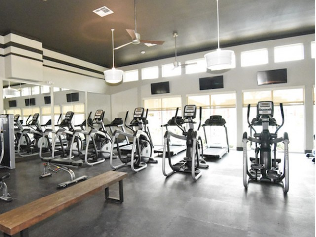 Image of 24/7 fitness center with panoramic views for Watervue