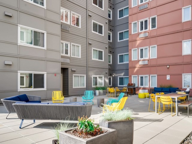 Image of Sun Deck for VUE25 Apartments