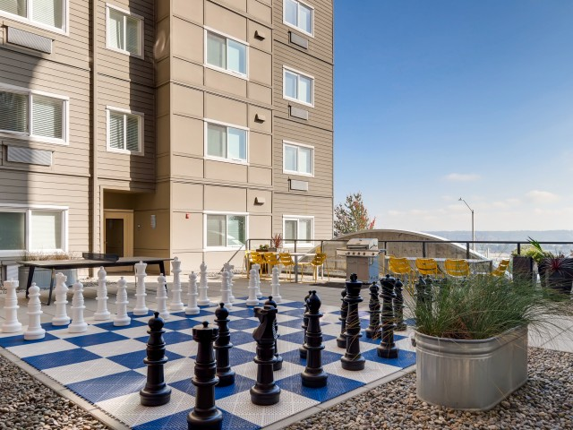 Image of Outdoor   Courtyard for VUE25 Apartments