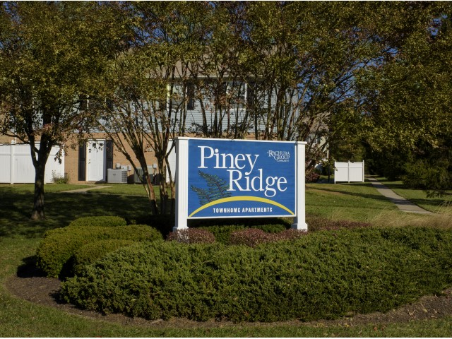 Welcome to Piney Ridge Apartments & Townhomes
