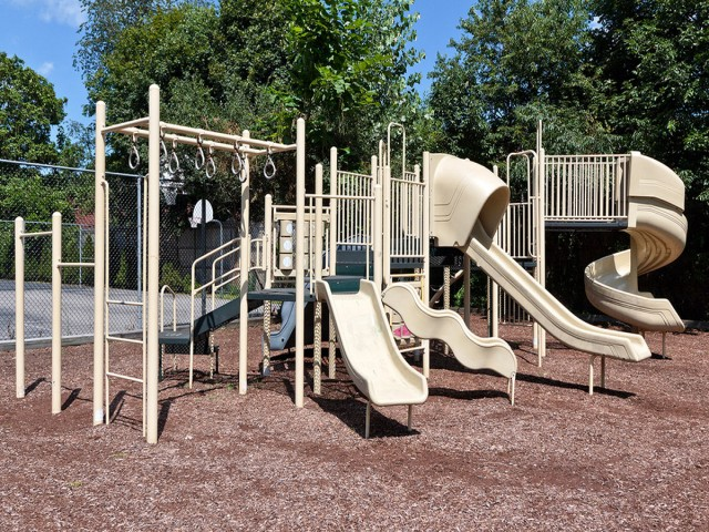 Image of Children's play area for Braintree Village