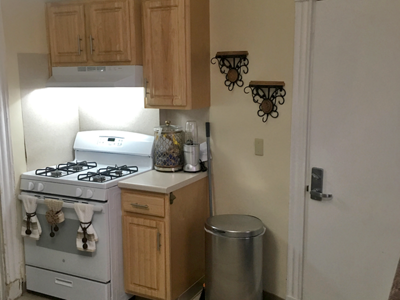 Image of Modern appliances including gas stove, refrigerator, dishwasher and disposal for Blue Elm United Estates