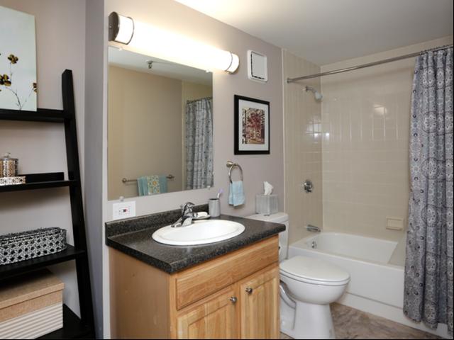 Image of Tile bath for Station 101
