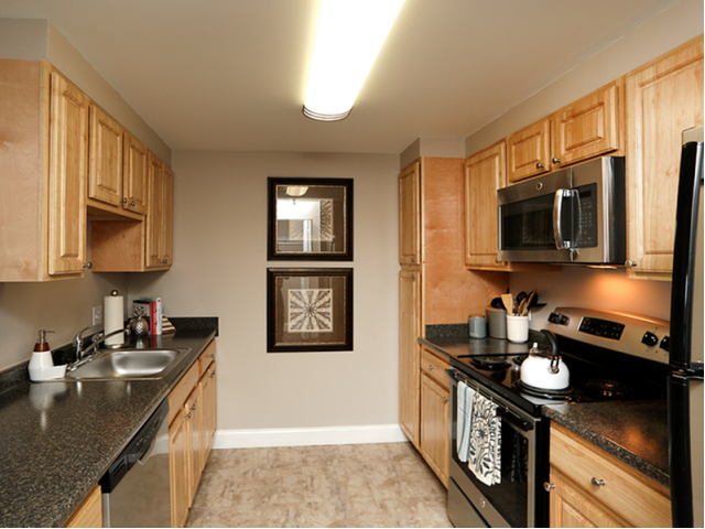 Image of Kitchen appliances include: refrigerator, stove, dishwasher, disposal, and microwave* for Station 101