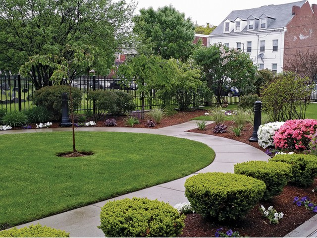 Image of Award-winning private green space for Zelma Lacey House