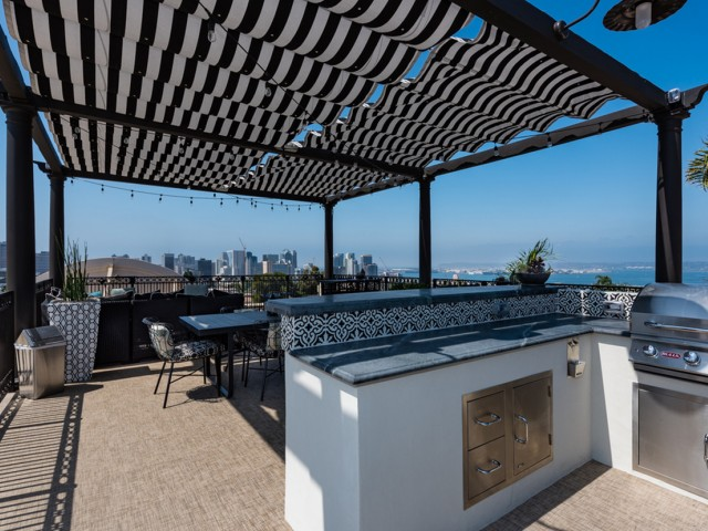 Apartments in San Diego For Rent | The Barcelona