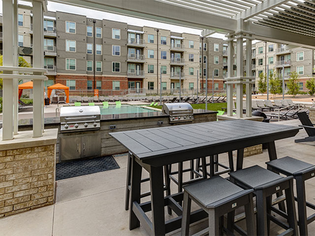 Image of Outdoor dining & BBQ area for Northside