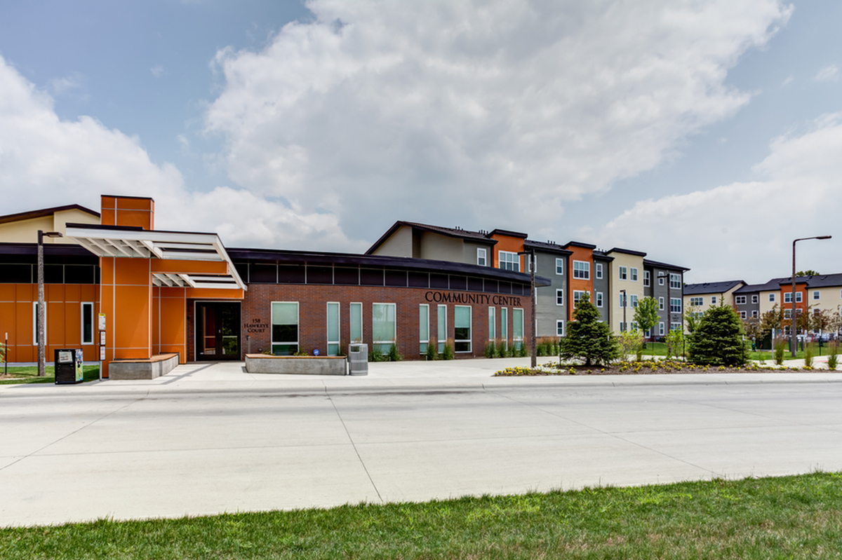 UIowa University Apartments | Aspire at West Campus