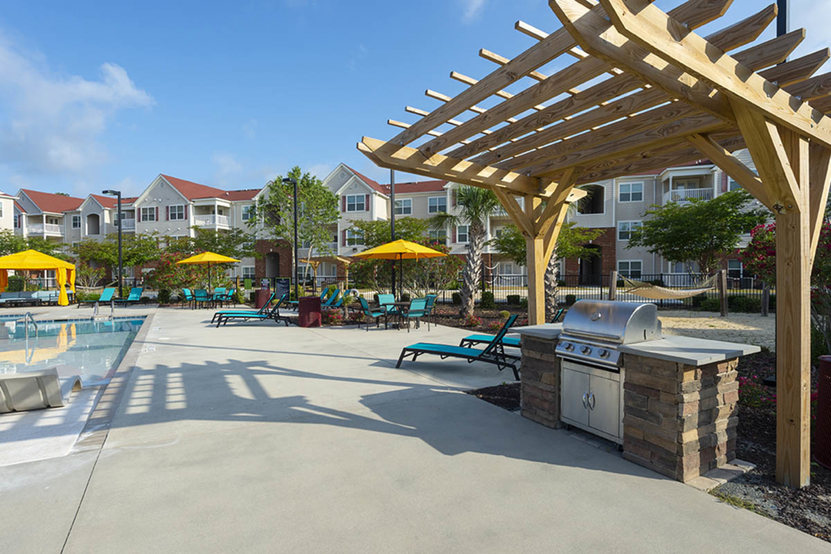 Community BBQ Grills | Apartments Near Uncw Wilmington Nc | Aspire 349