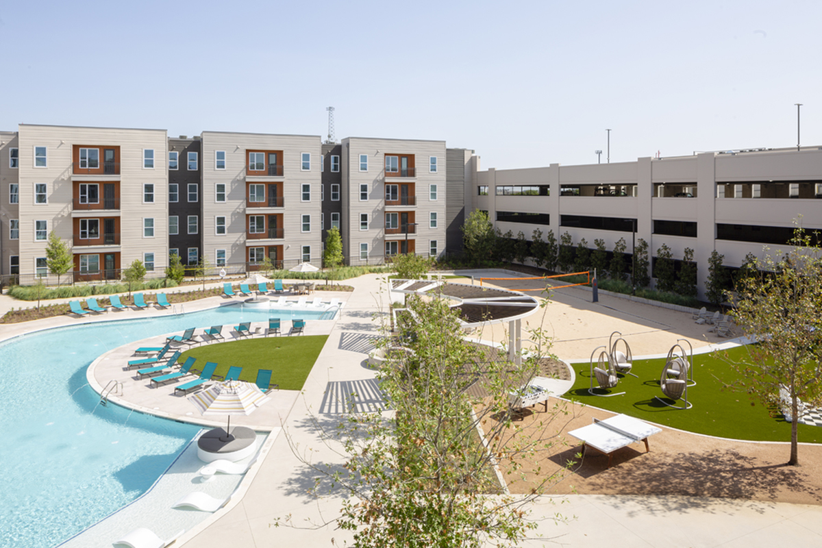 Courtyard | Apartments in Richardson | Northside