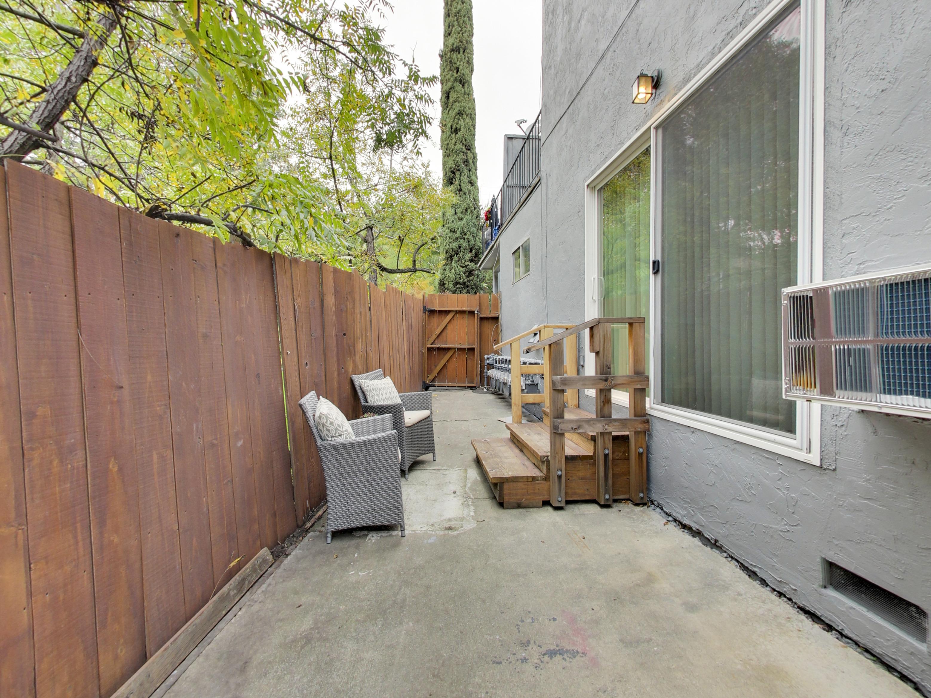 Image of Balcony for Oak Terrace