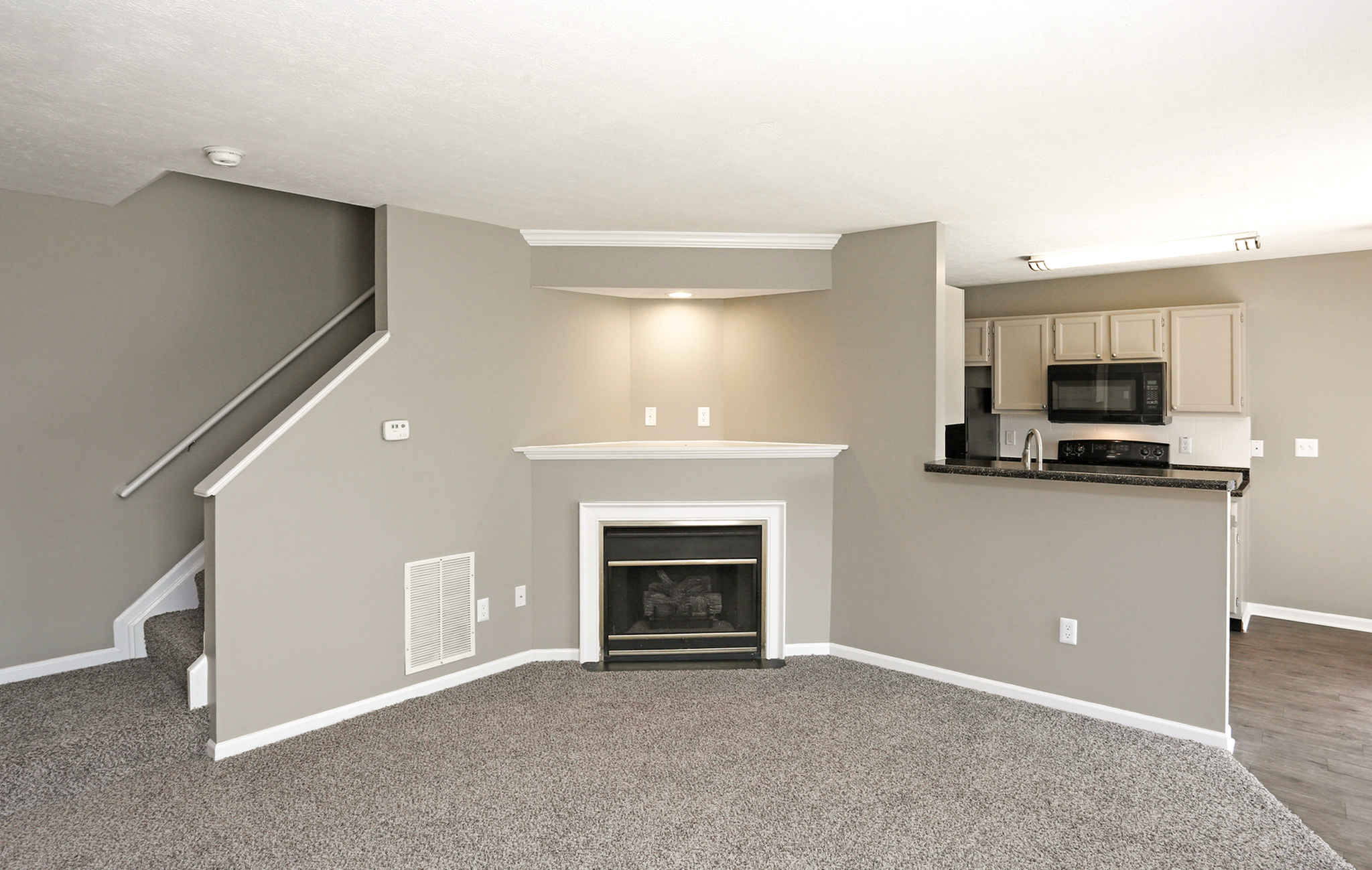 Image of Recently Renovated Interiors for Ashton Glen Apartments