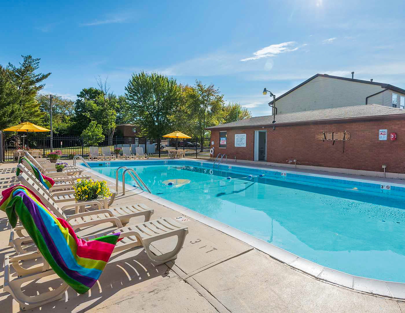 Image of Swimming Pool for Maple Oaks Apartments