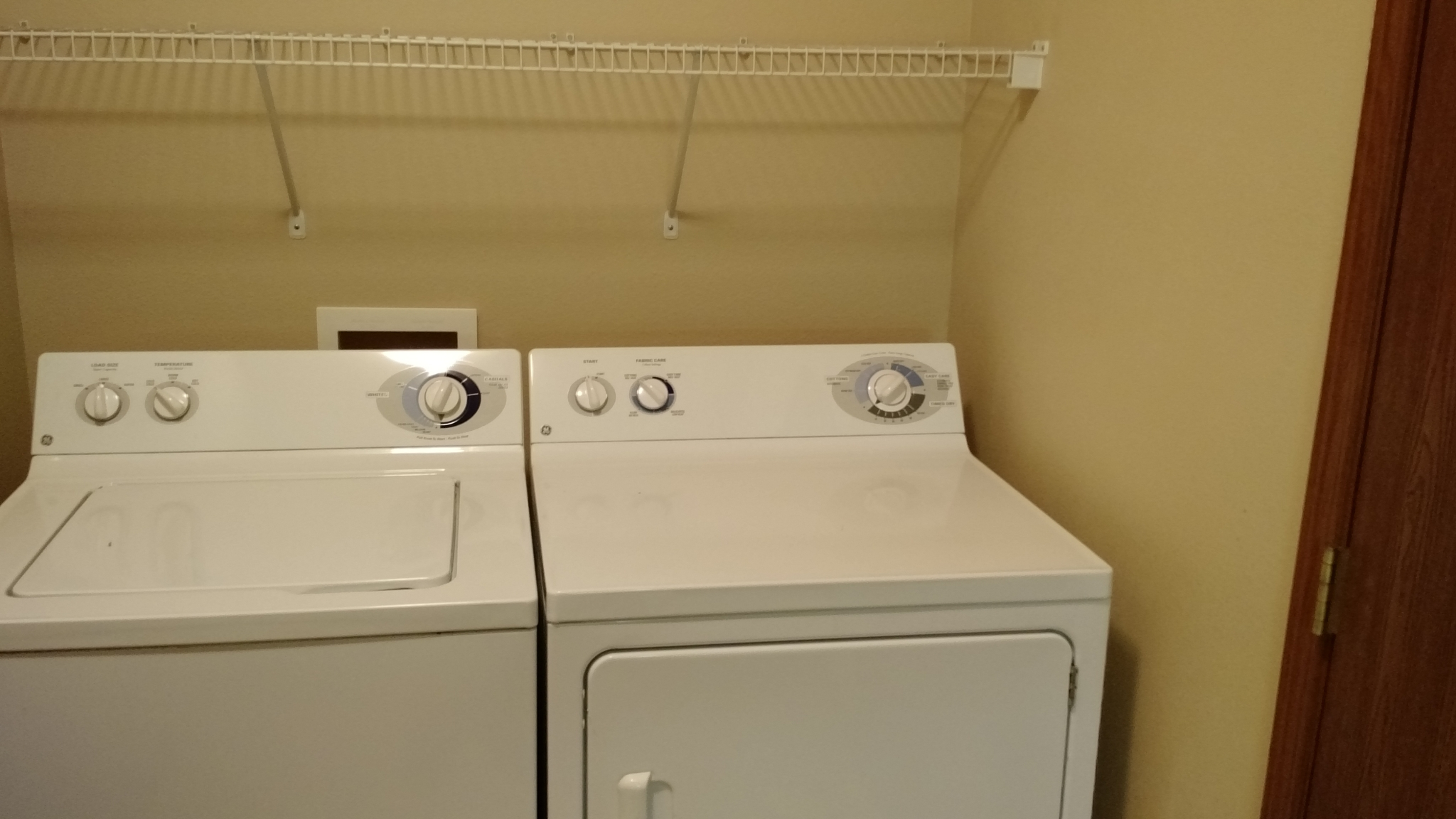 Two-bedroom laundry