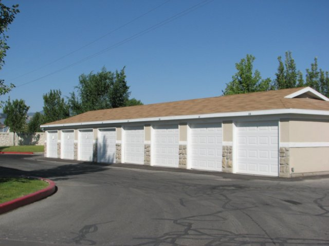 Image of Garages for Cascade Springs
