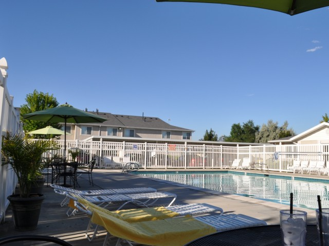 Image of Swimming Pool and Sun Deck for Windmill Cove