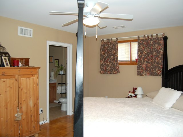 walk in closet 3 bed 2 bath apartment in fort ky 12710