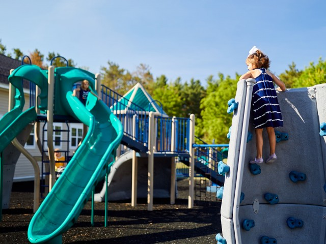 Community Children\'s Playground | Fort Drum On Post Housing | Fort Drum Mountain Community Homes