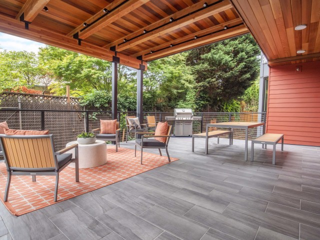 Apartments in Portland, patio BBQ