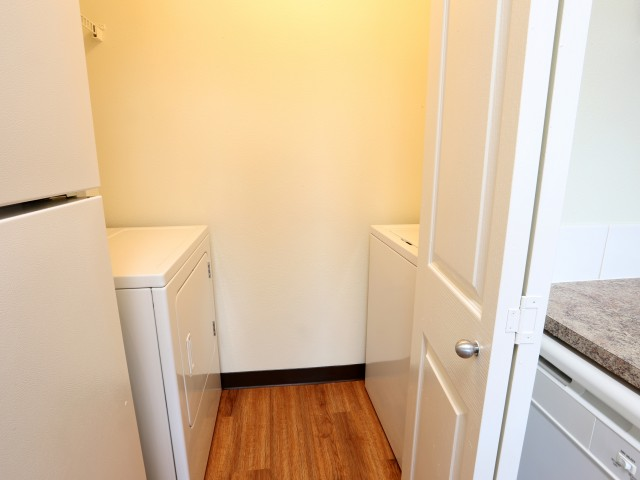 apartments in Vancouver, washer dryer