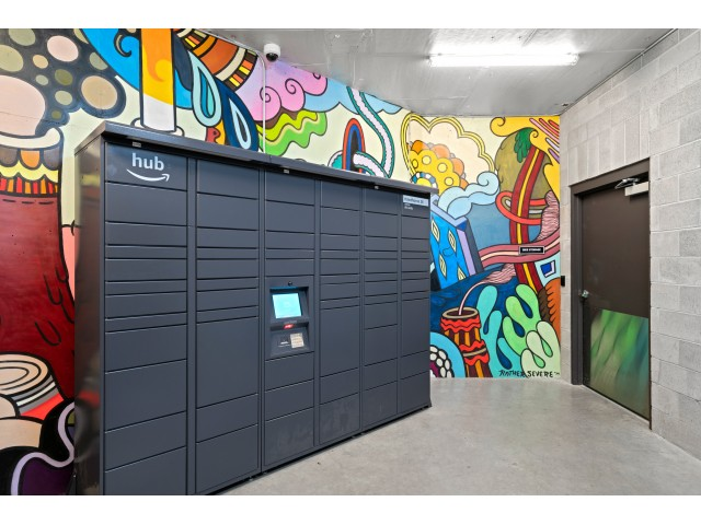 apartments with package lockers in portland