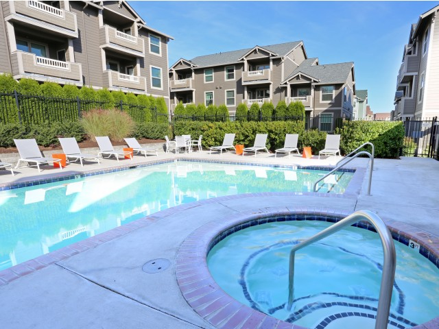 apartments in vancouver wa with hot tub