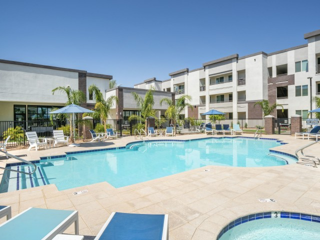 apartment with pool in gilbert az