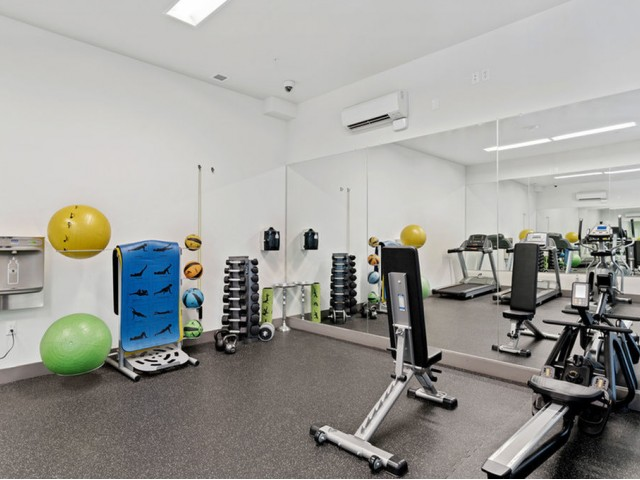 apartment with fitness center portland or