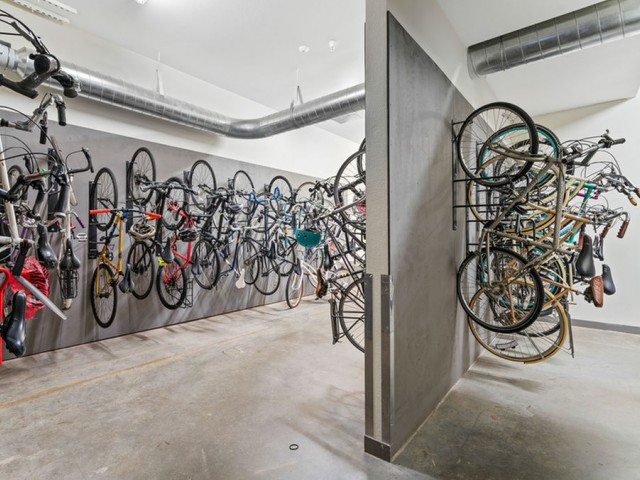 apartments with bicycle room