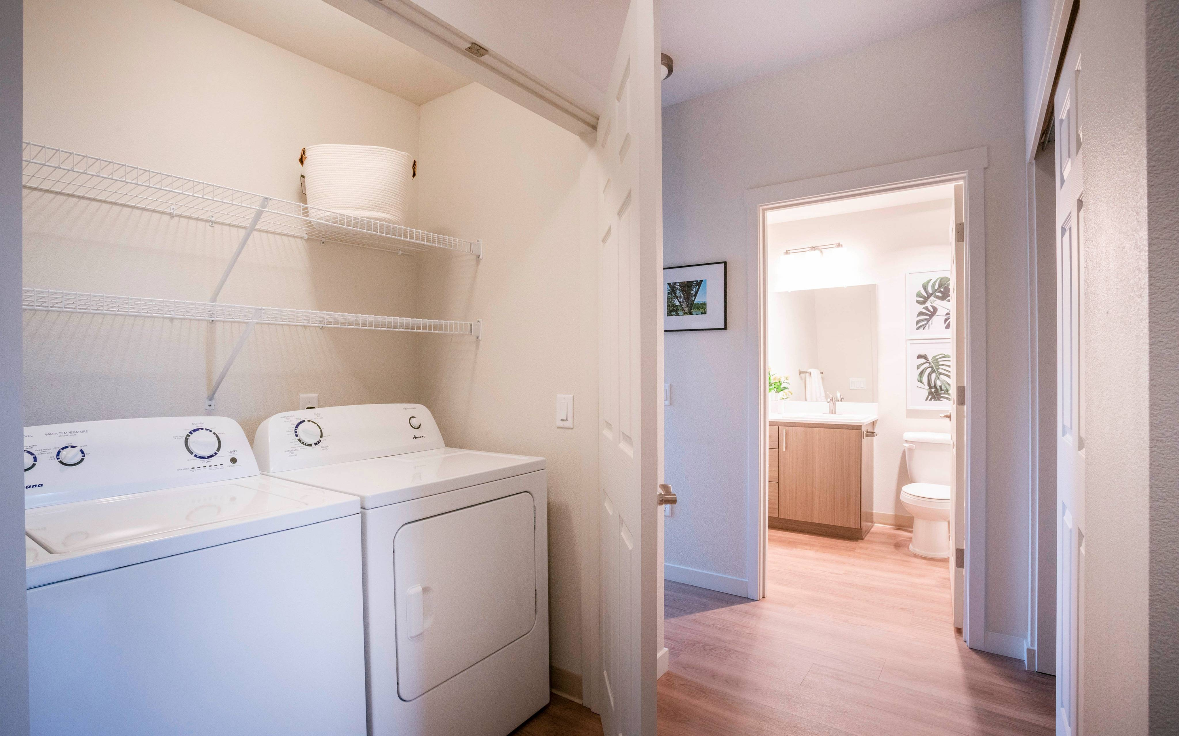 apartment with in unit laundry