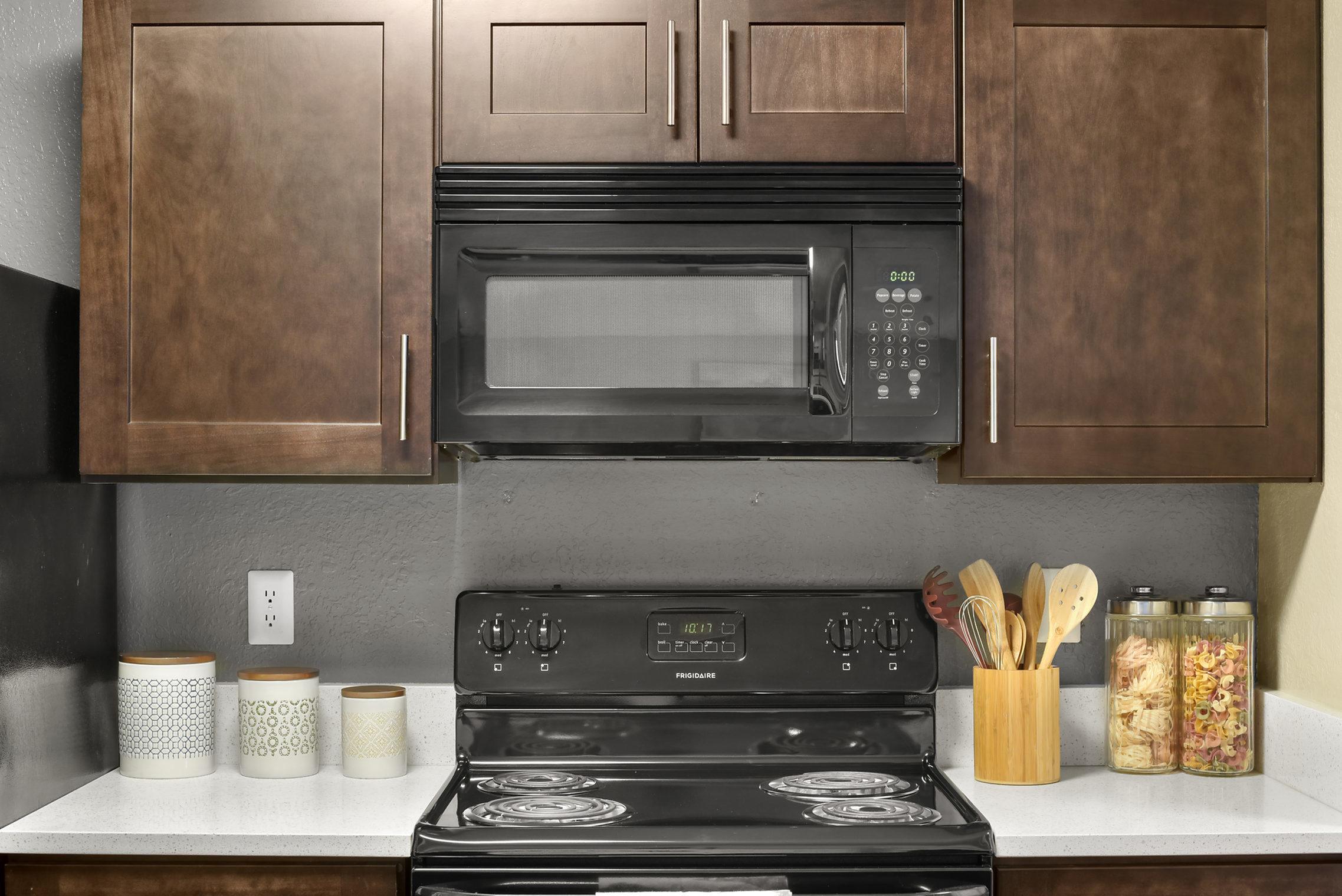 Image of Modern Kitchen Cabinets for Kernan Oaks