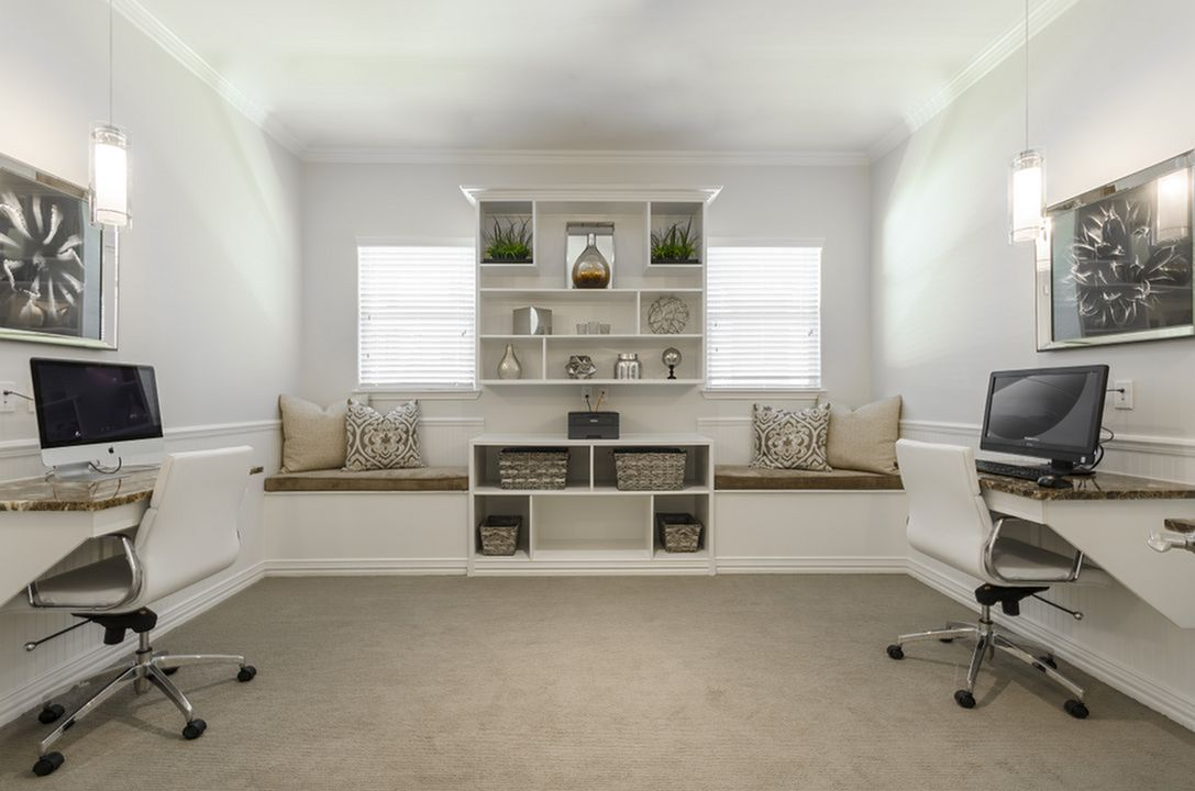 Image of Well-Appointed Business Center with 25' iMac Computers & PCs for The Mansions Lakeway