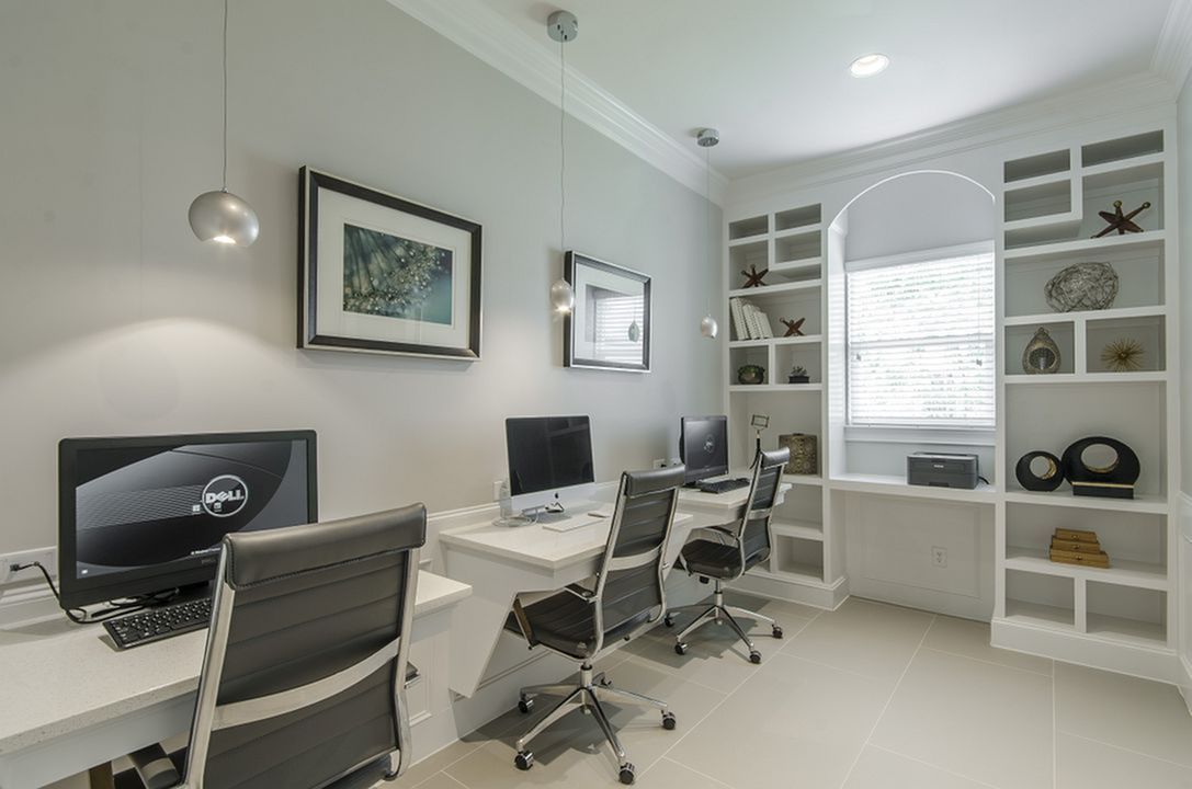 Image of Well-Appointed Business Center with 22 iMac Computer & 24 for The Grand Estates in the Forest
