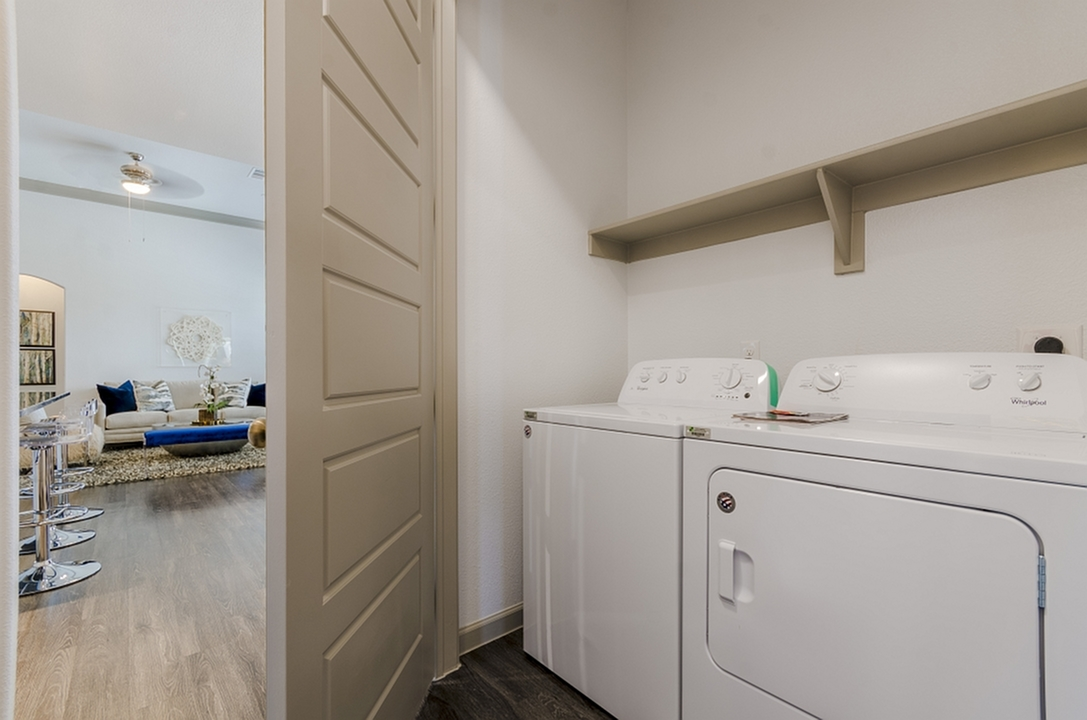 Image of Full-size Washer/Dryer Connections for The Mansions of Georgetown