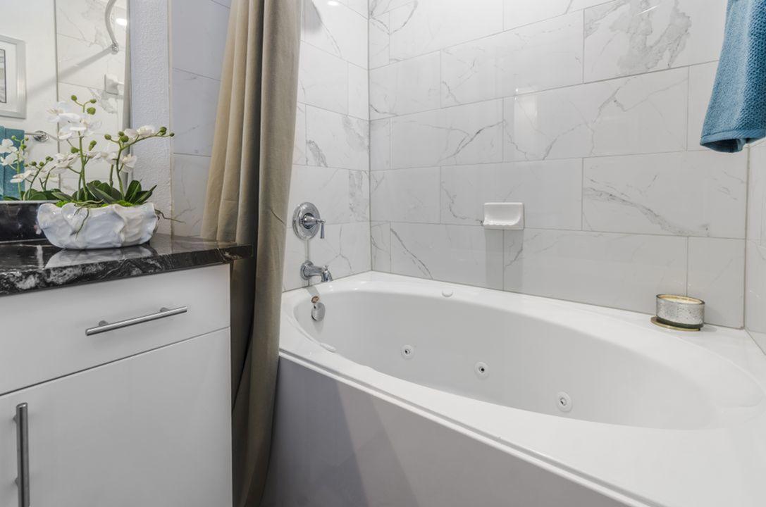 Image of Real Porcelain Tile Backsplashes in Kitchen & Bath for The Mansions at Spring Creek