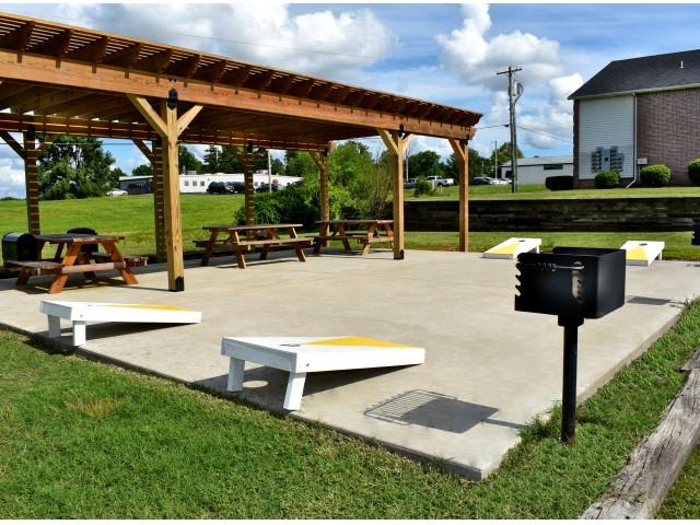 Community Pavilion - Ozark Plantation