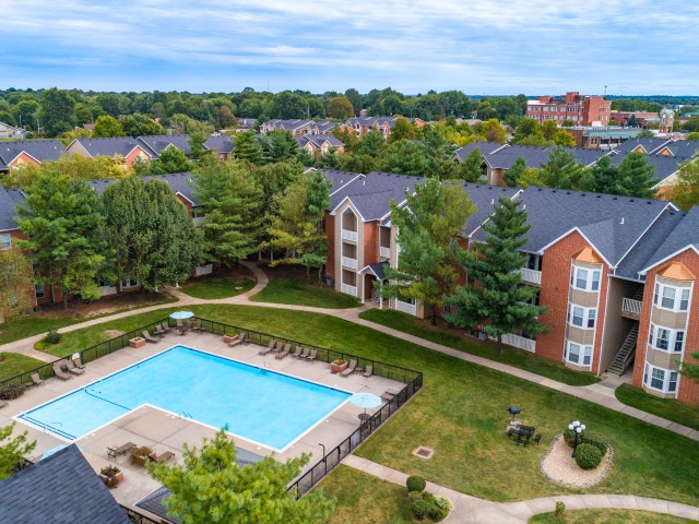 Image of Pool View for Lake Shore Apartments