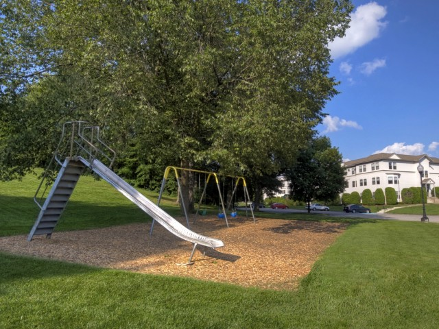 Image of Play Ground for BOULDER PARK APARTMENTS