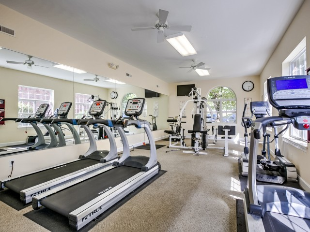 Image of 24-Hour Fitness Gym for Kelly Greens Apartments