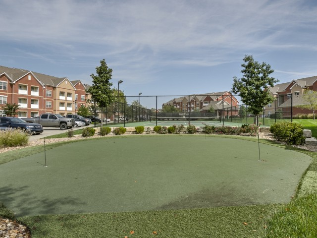 Image of Putting Green for Kelly Park Apartments