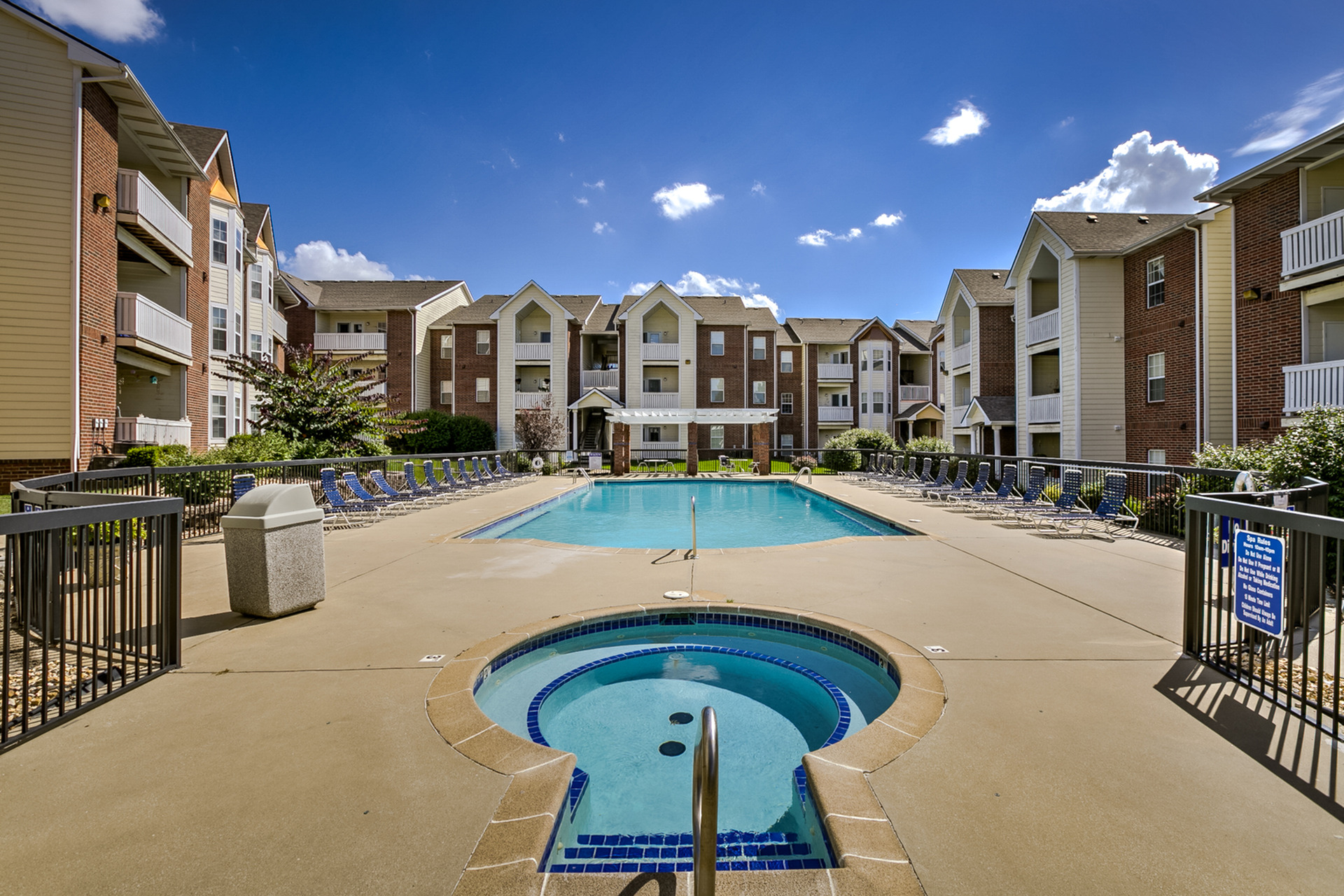 Image of Swimming Pool for Kelly Greens Apartments