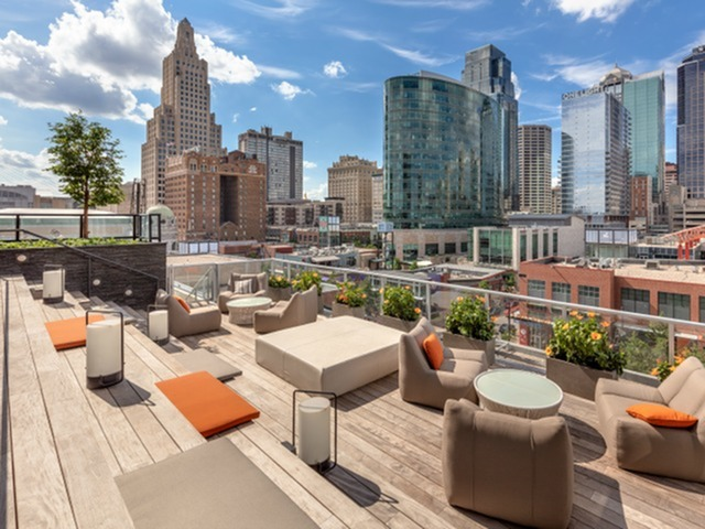 Image of Floating Sundeck Overlooking Downtown Kansas City for Two Light Luxury Apartments