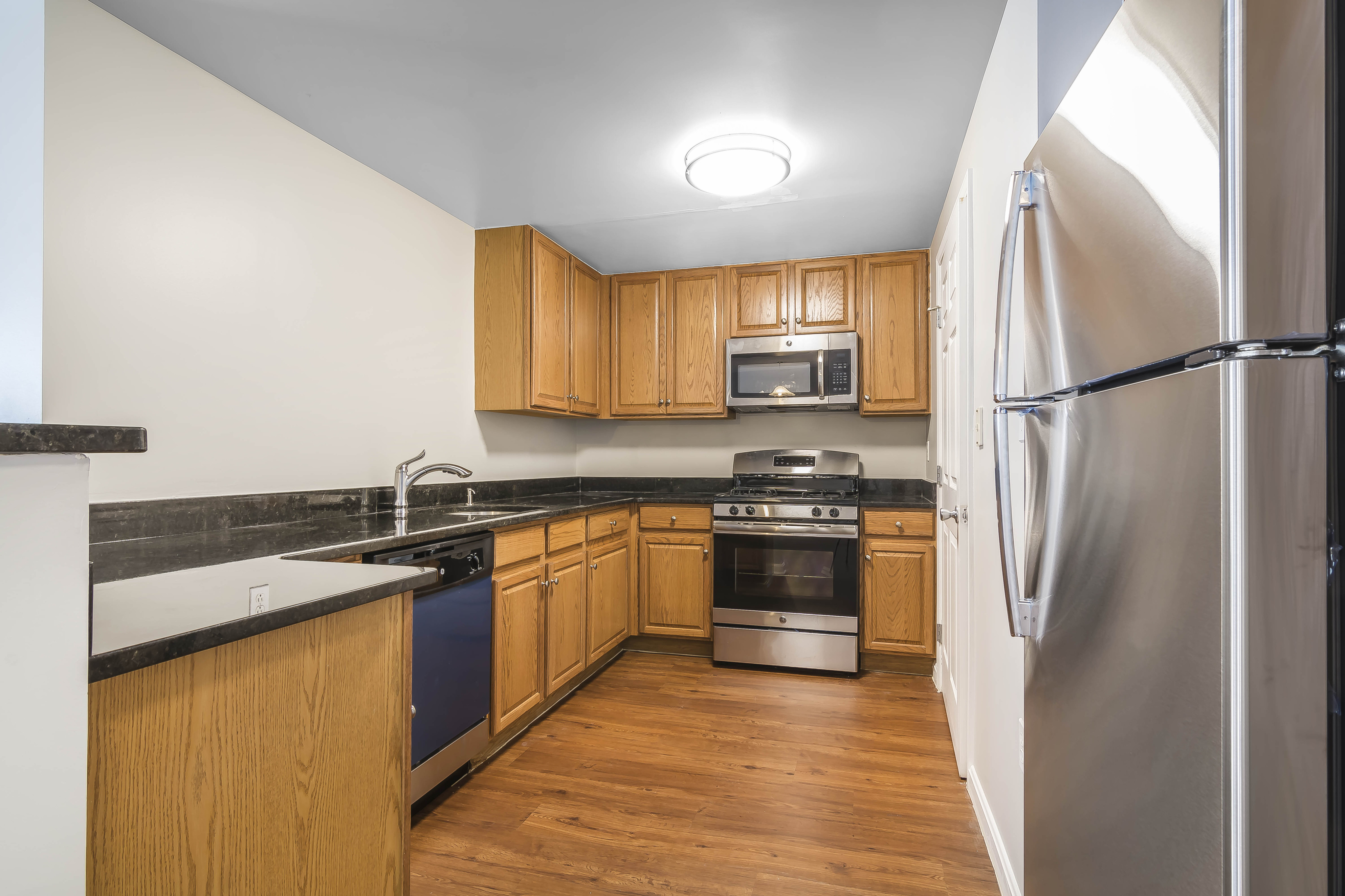 Image of Granite Countertops for Vinnin Square Apartment Homes