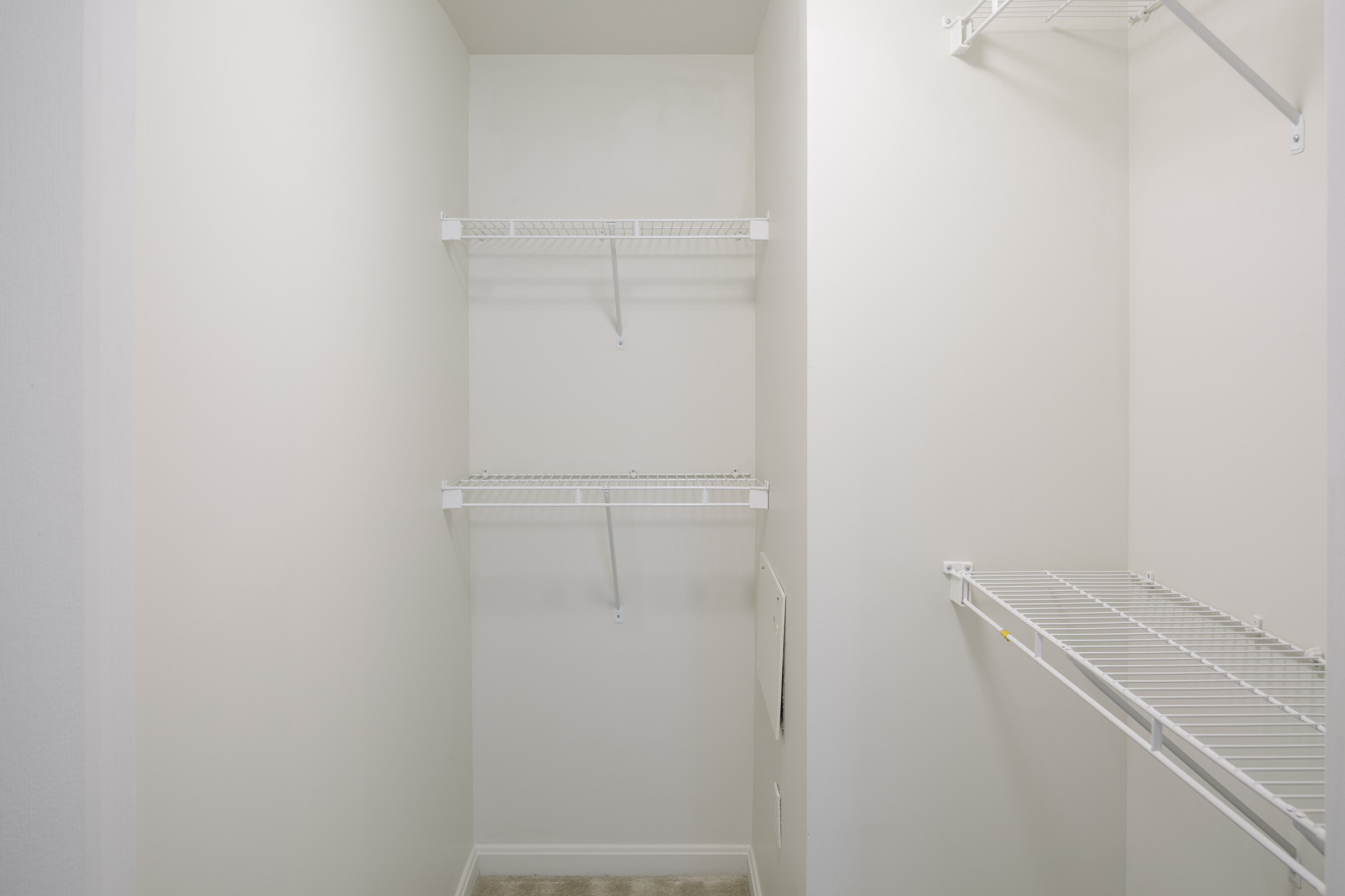Image of Walk-in closets for Vinnin Square Apartment Homes