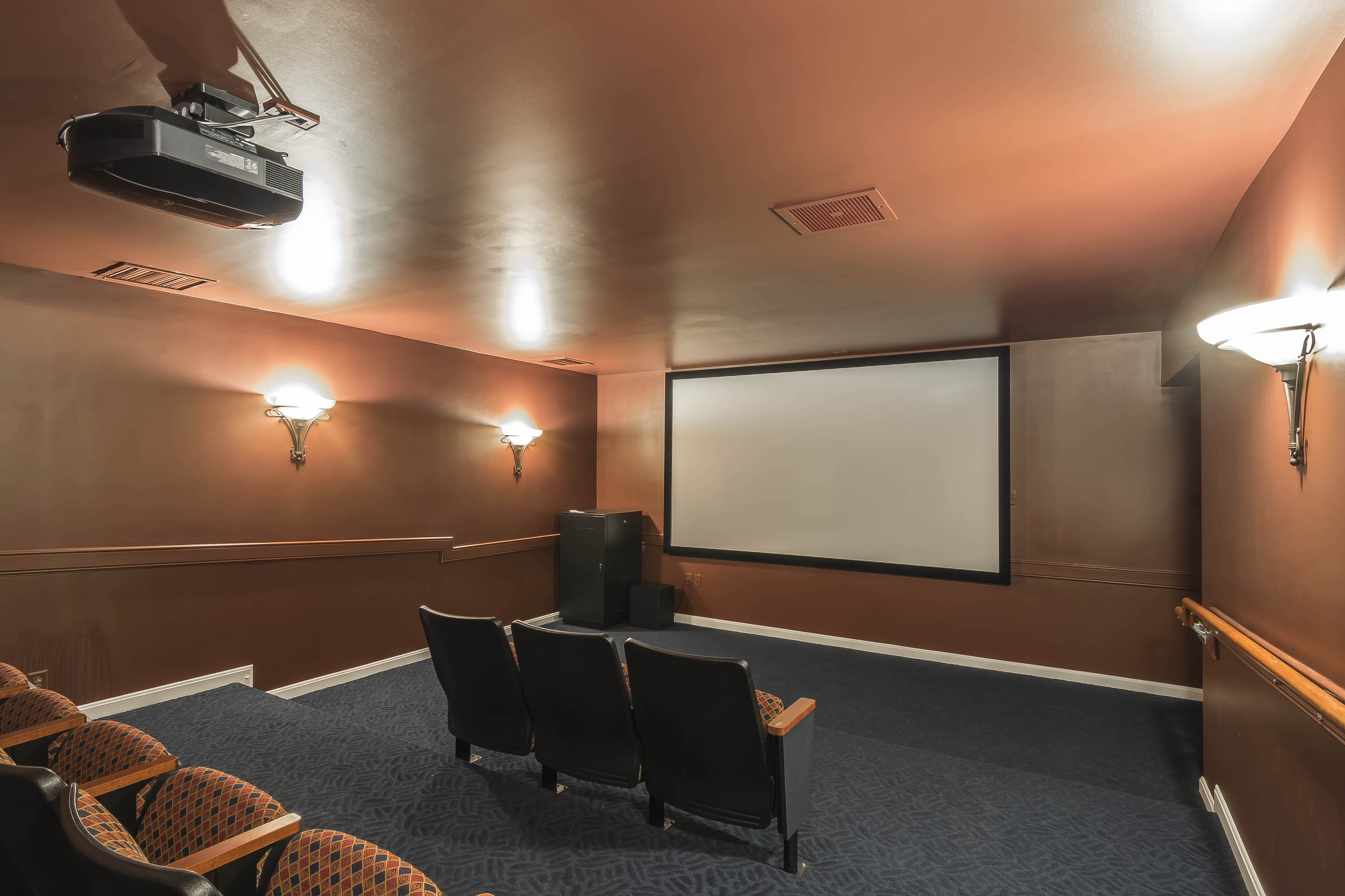 Image of Movie theater for Vinnin Square Apartment Homes